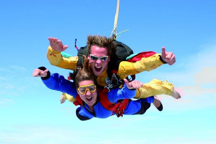 Parachute springen in Texel met korting | Voordeeluitjes van NapPas