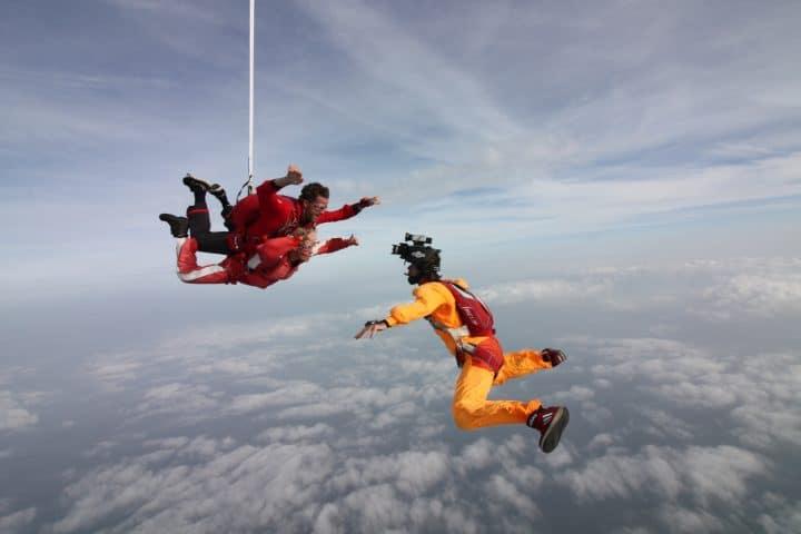 Skydive in Ameland met korting | Voordeeluitjes van NapPas