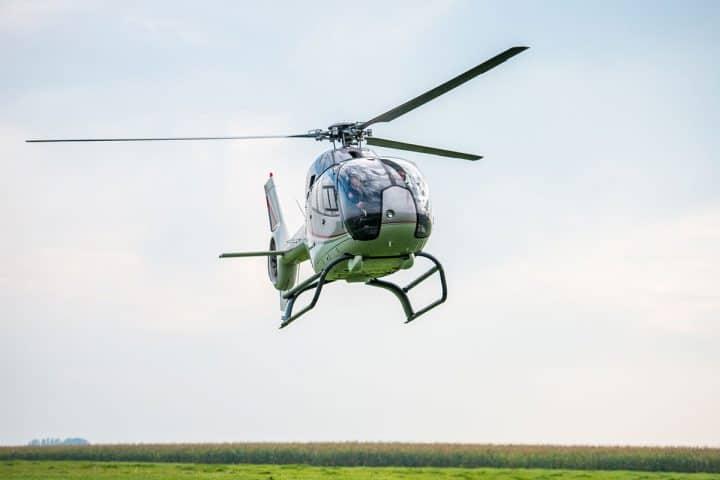 Vliegen met helikopter in Oirschot met korting | Voordeeluitjes van NapPas