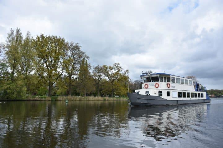 Rondvaart in Loosdrecht met korting | Voordeeluitjes van NapPas