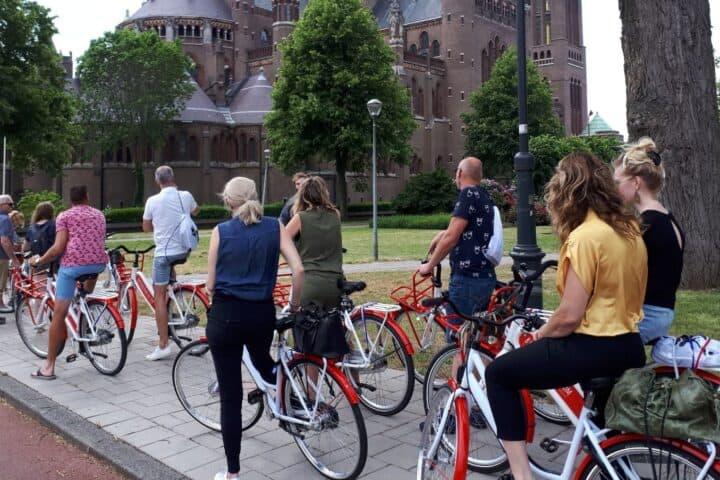 Actief fietsuitje in Haarlem met korting | Voordeeluitjes van NapPas